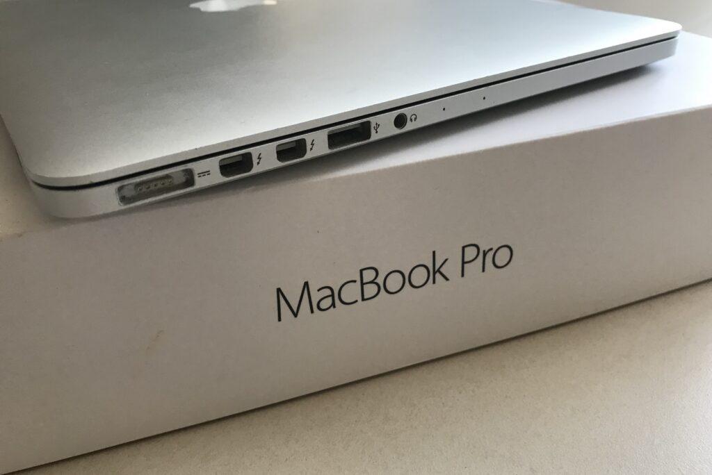 MacBook Pro 13 inch A1502 model year 2016